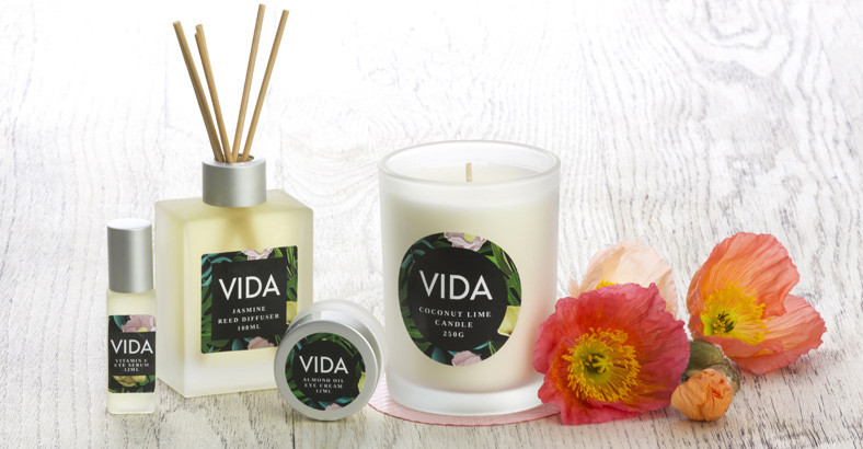 Create beautiful labels to light up your candles