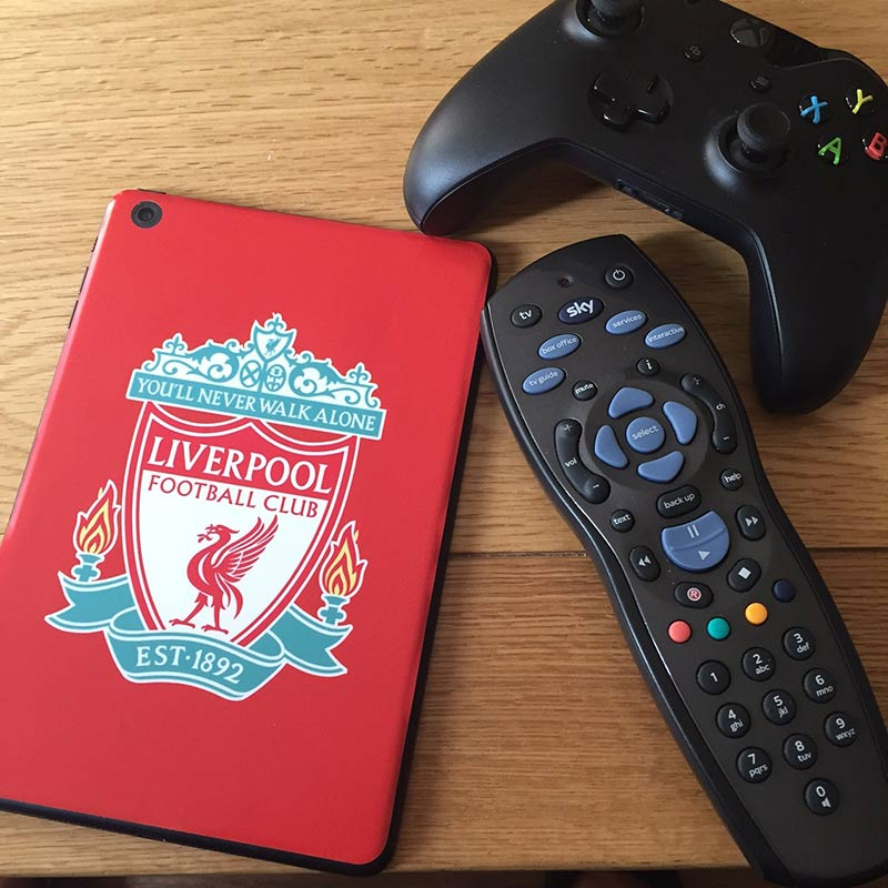 Football Fever! Personalise your devices with a skin